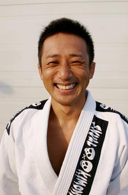 生田先生笑顔.png